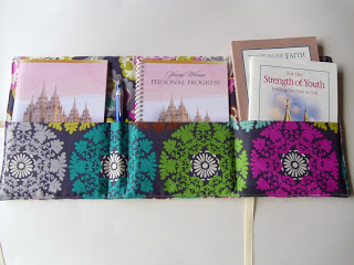 Personal Progress Packet Tutorial featured by top US sewing blog, Ameroonie Designs