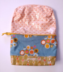 Travel Zipper Pouch Pattern featured by top US sewing blog, Ameroonie Designs