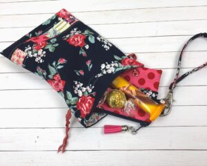 Fox farm fabric pouch featured by top US sewing blog, Ameroonie Designs