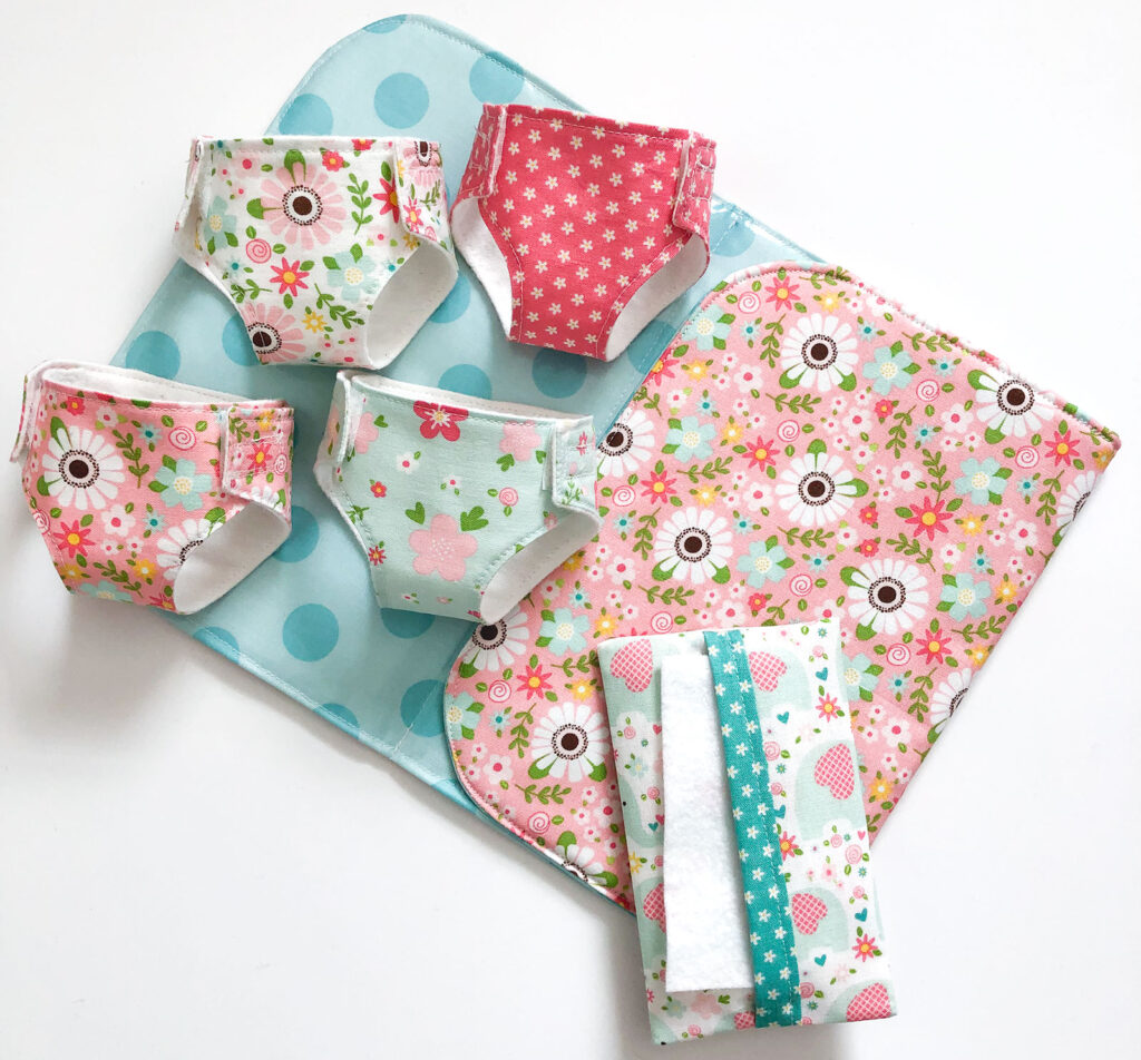 Sew a set of diapers, a changing pad and pretend wipes container for your little one to play with.