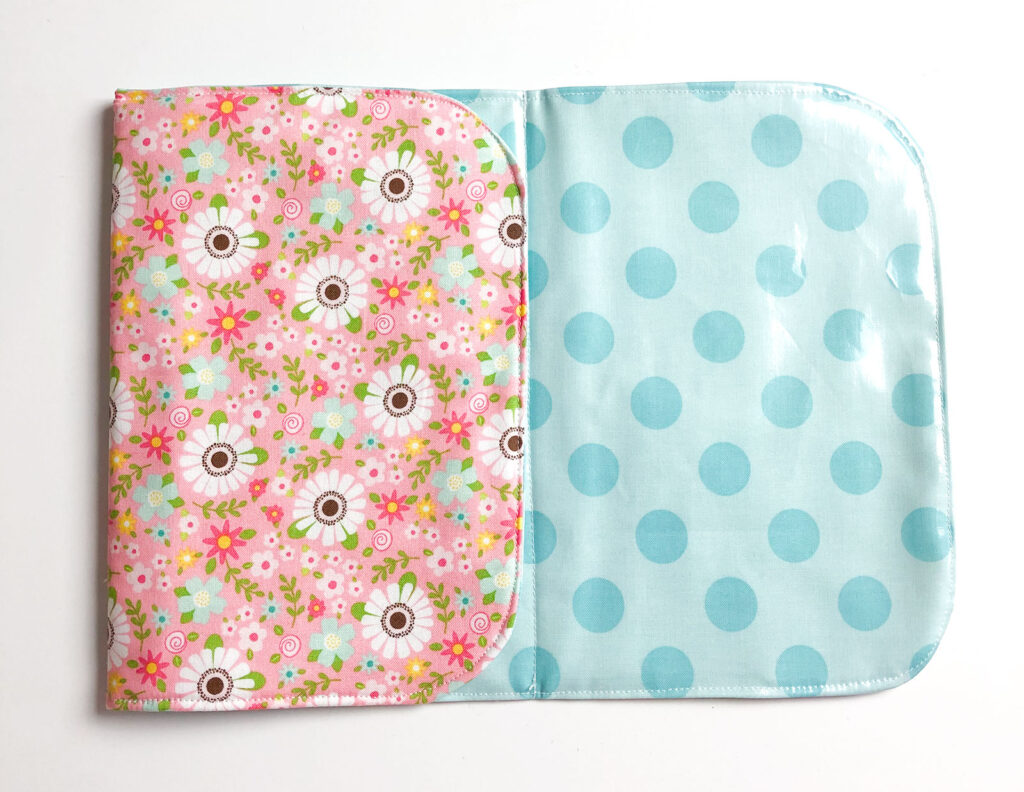 Sew a changing pad for dolls.