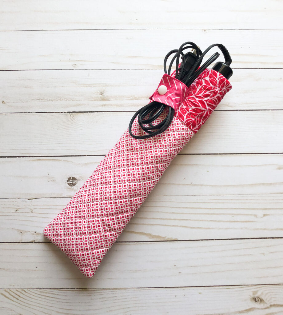 Handmade travel accessories from top US sewing blog Ameroonie Designs. Image of curling iron sleeve.
